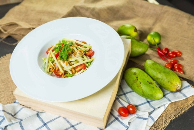 thai green mango salad with dried shrimps
