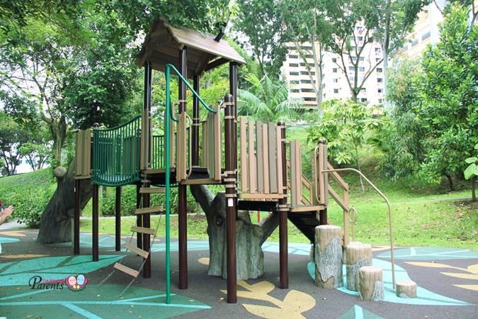 forest theme playground rumah tinggi park