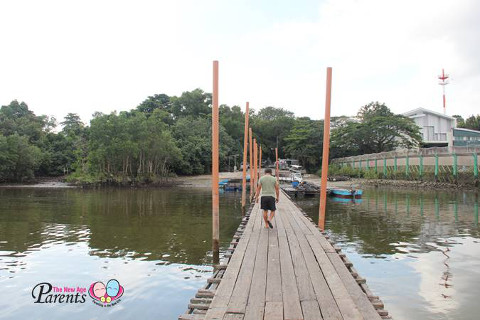walk along lim chu kang floating jetty