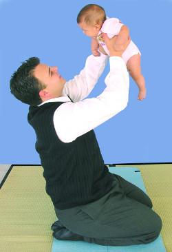 Glenn Doman - lifting baby