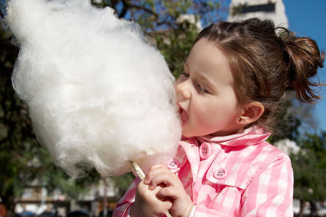 childhood diabetes - child eating candyfloss
