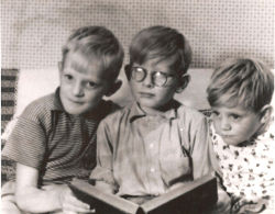 Brian Caswell (centre) with his brothers