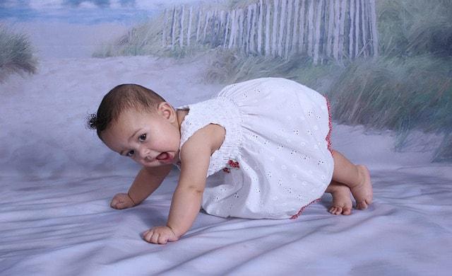 crawling reflex in baby