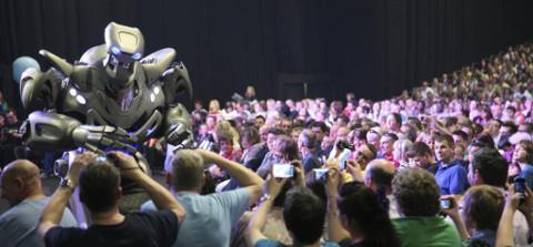 Sentosa Buskers Festival Titan the robot