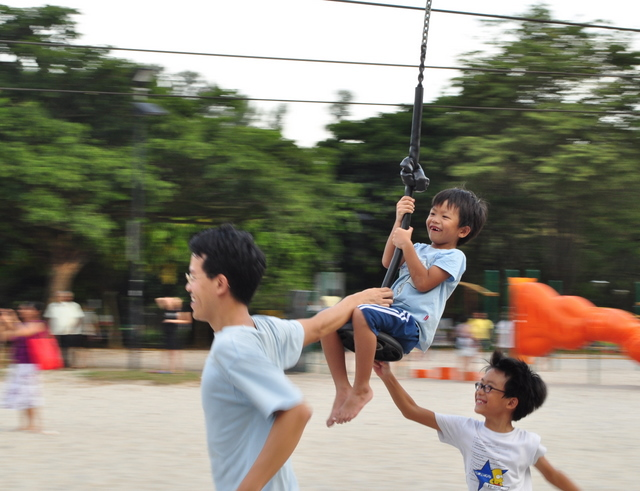 Andy from Sengkang babies playing with his children