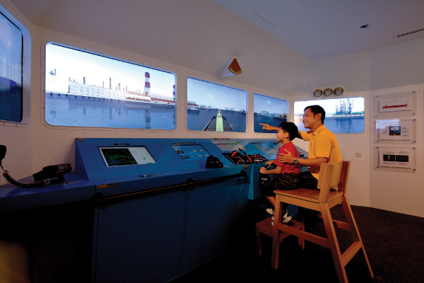 SgMaritime Gallery - Maritime Singapore Awaits Your Discovery
