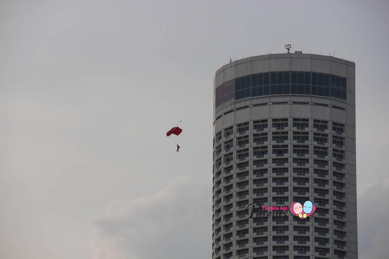 SG50 NDP 2015 parachuter