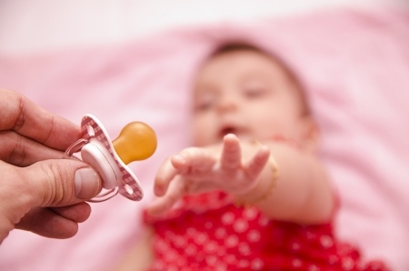 Ways to wean your child off pacifiers