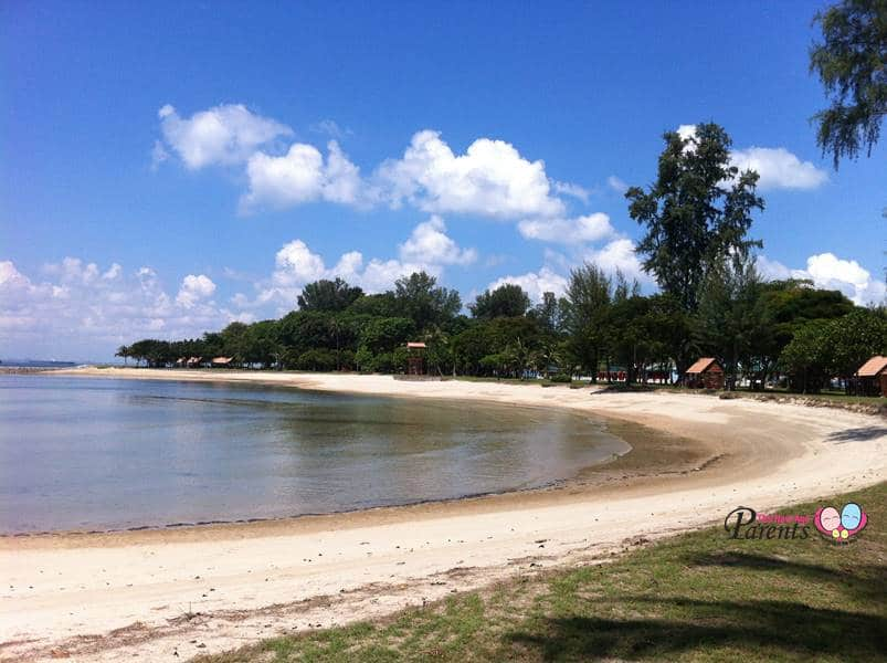 sandy beach on kusu island singapore