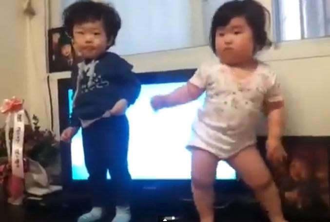 videos of baby dancing