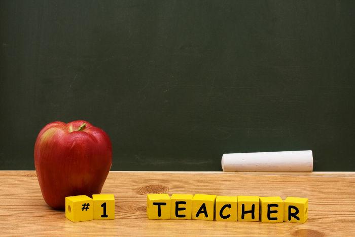 what makes an outstanding teacher essay