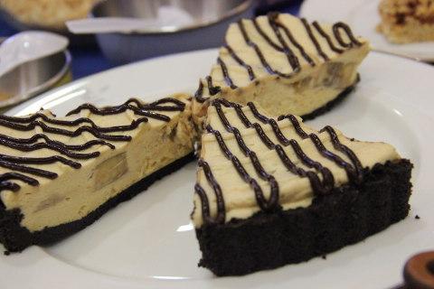 peanut butter banana chocolate tart