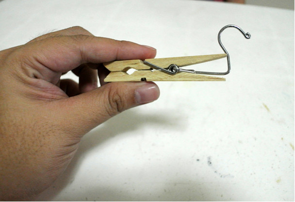How to make a toy areoplane step 1 bended hook