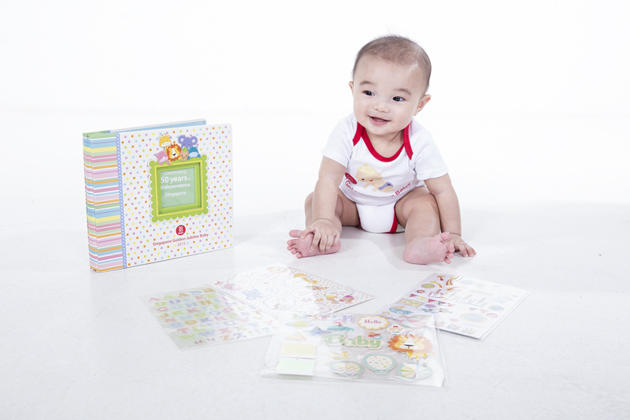 Jubilee Baby Gift Set Scrapbook album