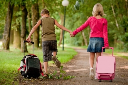 How To Avoid Falling Sick While Traveling With Your Kids