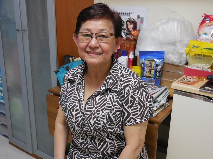Mdm Alice Two - Single mother with two daughters