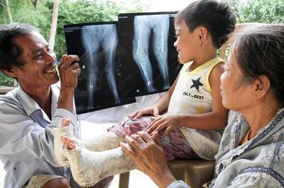 World Vision Helping Vietnam Children