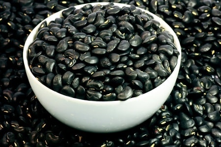black beans Chinese Herbs to treat Hair Problems
