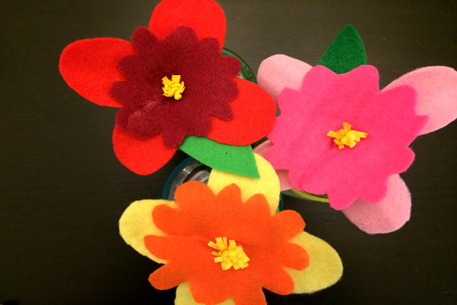 How To Make Pretty Felt Flowers
