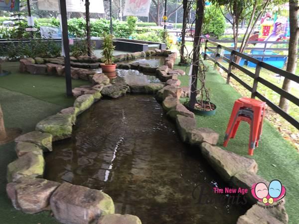 Children Longkang Fishing Singapore | The New Age Parents