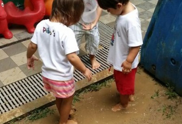 learning about mud at Pibos Garden Playschool