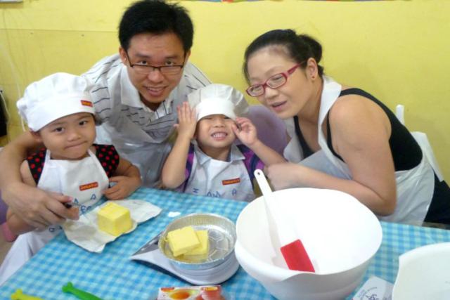 Genius R Us baking class for children