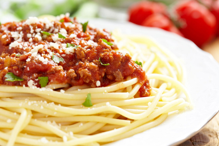 Spaghetti with minced chicken