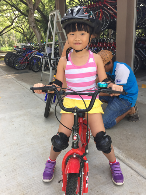 learning how to ride a bicycle - learner bike winner rainie
