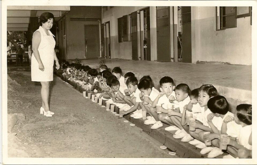 Teethbrushing at schools in Singapore in the past Credits to Edward Lam