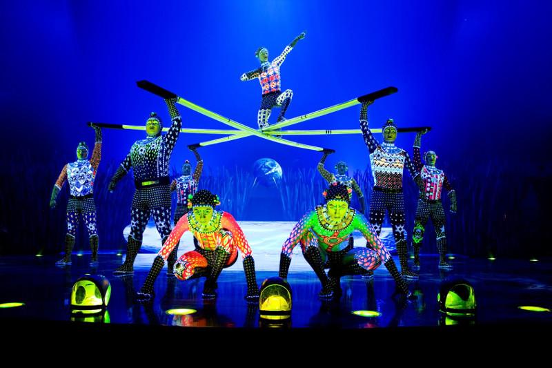 totem cirque du soleil in Singapore 2015