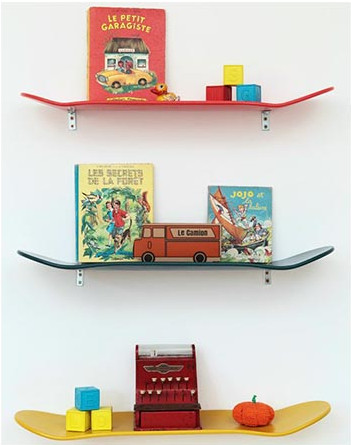 Lecons de Choses Skateboard shelf