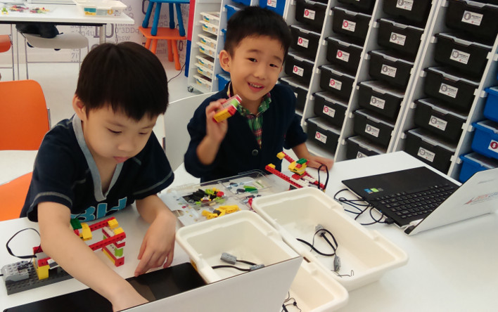Lego workshops and camps for kids