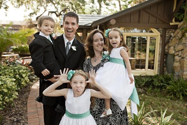 fun-photos-to-take-with-your-kids-family-potrait