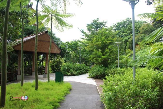hut in rumah tinggi eco park