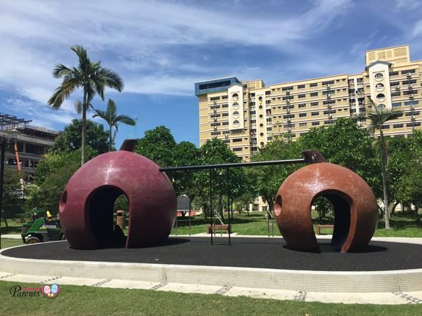 mangosteen mosaic playground in tampines singapore