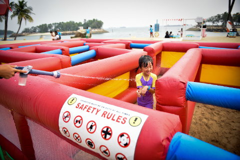 Kiddy Amazing Maze at Sentosa FunFest 2016