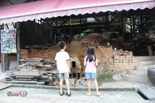 checking out the last dragon kiln in singapore