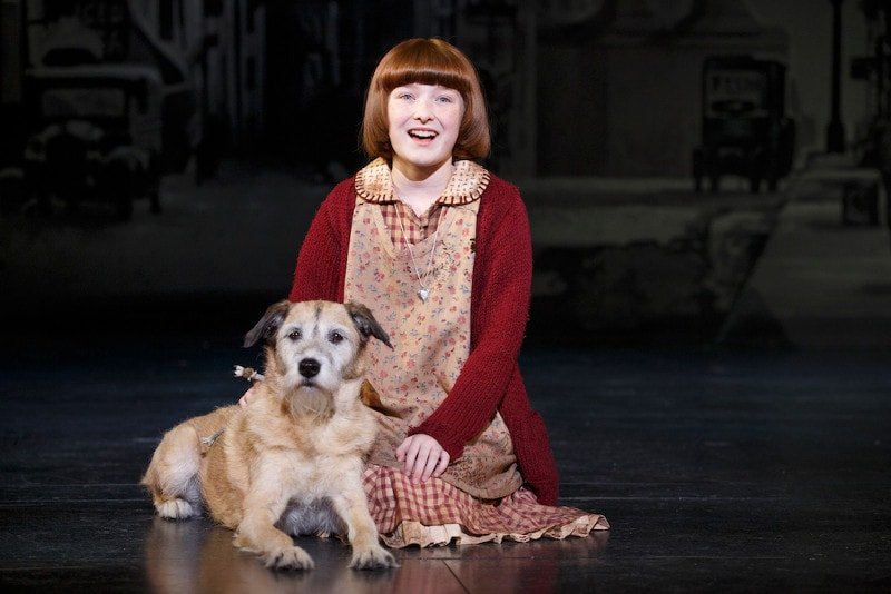 Annie The Musical - Annie and the dog she rescued, Sandy