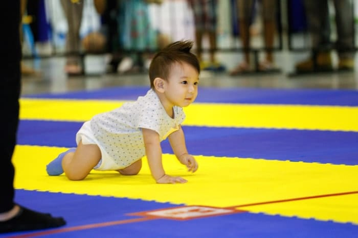 baby-junior-race-2016-baby-crawling