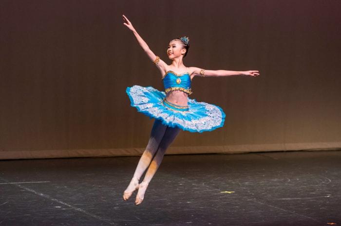 Crestar Dance