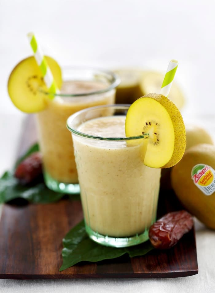 Zespri® SunGold Kiwifruit & Date Smoothie