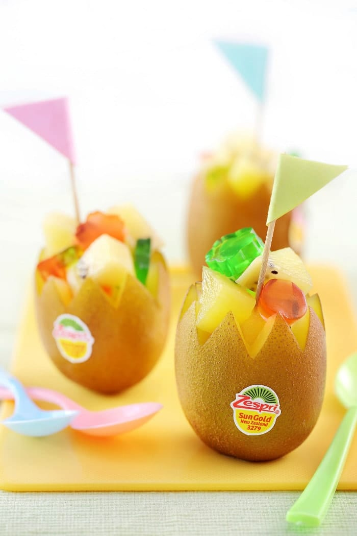Zespri® SunGold Kiwifruit Rainbow Cup