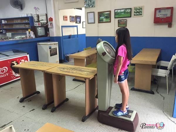 old weighing machine colbar singapore