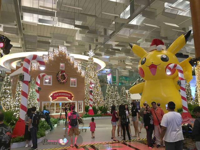 pokemon pikachu changi airport 2016