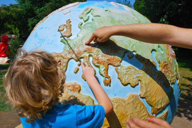 how to teach children about current affairs