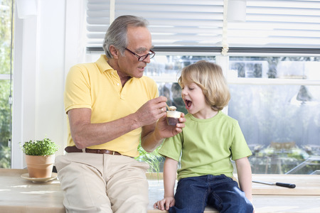 Grandparents-Who-Spoil-Kids-What-to-do