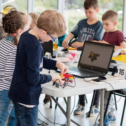 Discovery Camps Robotics
