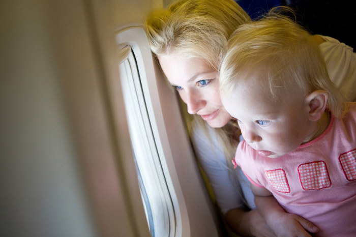 How To Keep Your Child Entertained On The Plane