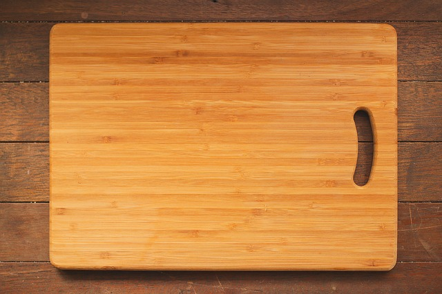 Chopping Board Daily Items You Never Knew You Had To Throw Away