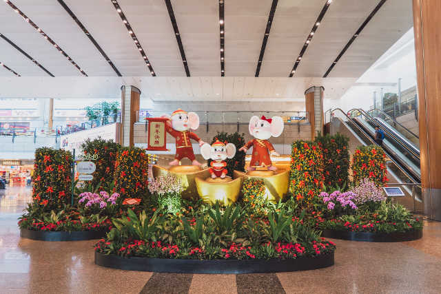 chinese new year decorations at changi airport